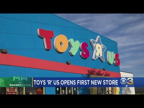 Toys 'R' Us Opens Store In New Jersey