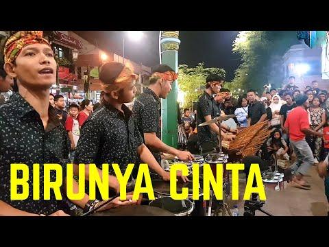 BIRUNYA CINTA - Musik Syahdu-nya Bikin Pengen Diulang Terus (Angklung Malioboro) CAREHAL JOGJA koplo