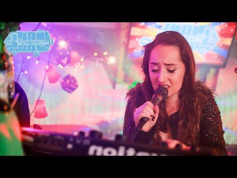 """ESBIE FONTE - """"Manumit"""" (Live At JITV HQ In Los Angeles, CA 2018) #JAMINTHEVAN"""