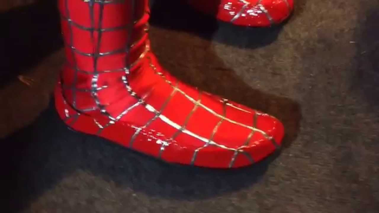 How the shoes look on The Amazing Spiderman two suits & How the shoes look on The Amazing Spiderman two suits - YouTube
