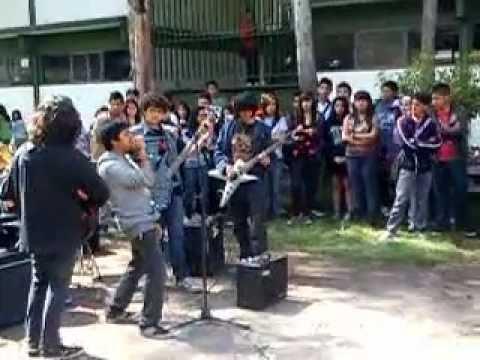 Banda de metal en prepa 3 toluca para la bienvenida youtube for Mural de prepa 1 toluca