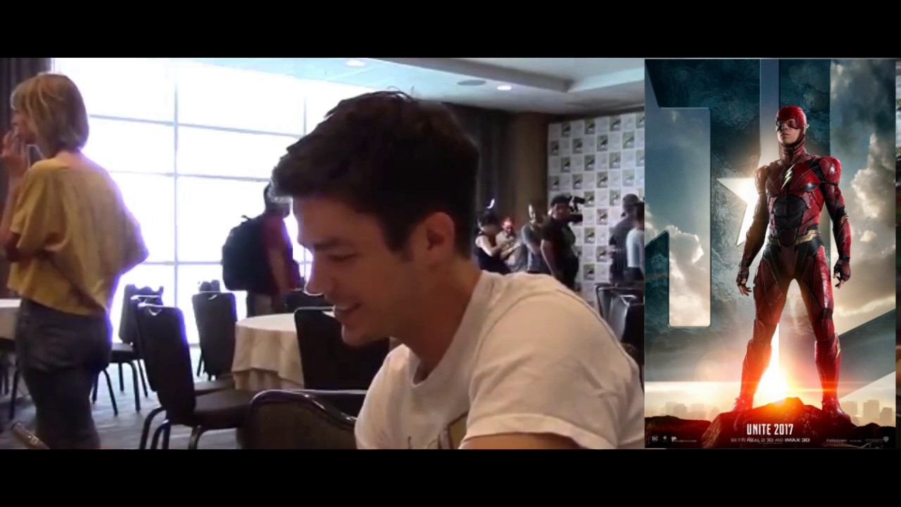 Grant Gustin (The Flash) reacts to Ezra Miller's Flash