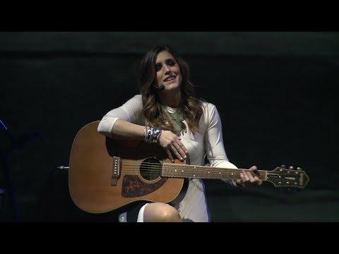 Soledad Pastorutti -  Cielo de rosas (En Vivo)