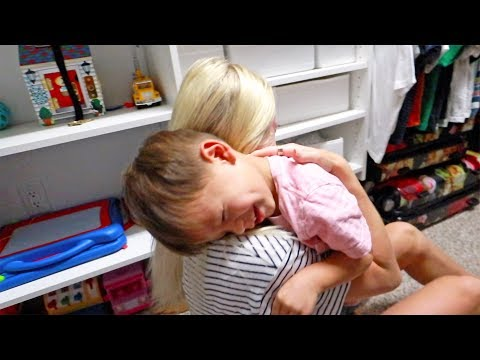 Kids Adorable Reaction First Time Seeing Mom In 10 Days