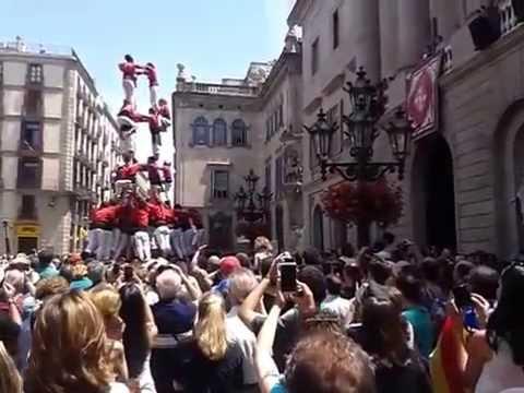 Amazing Human Tower Barcelona 1