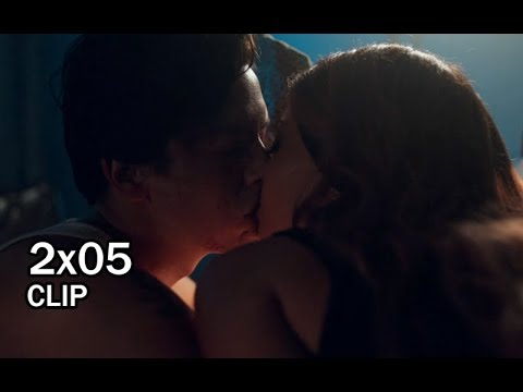Image result for jughead kisses toni