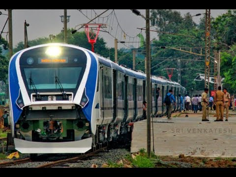 """FIRST LOOK of TRAIN 18 : BRAND NEW """"TRAIN 18"""" outside ICF : FIRST ENGINE-LESS TRAIN in INDIA"""