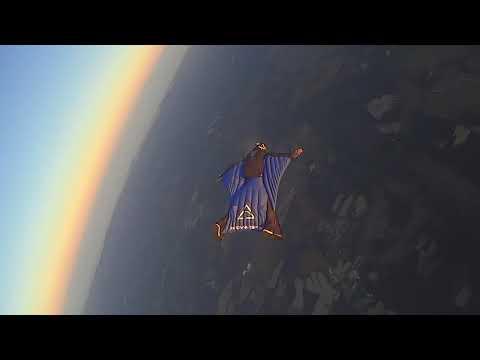 Zayas vid Bed Music for Flight Suit Promo