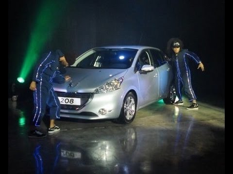 Peugeot 208 Launch Presentation Footage - Front Row