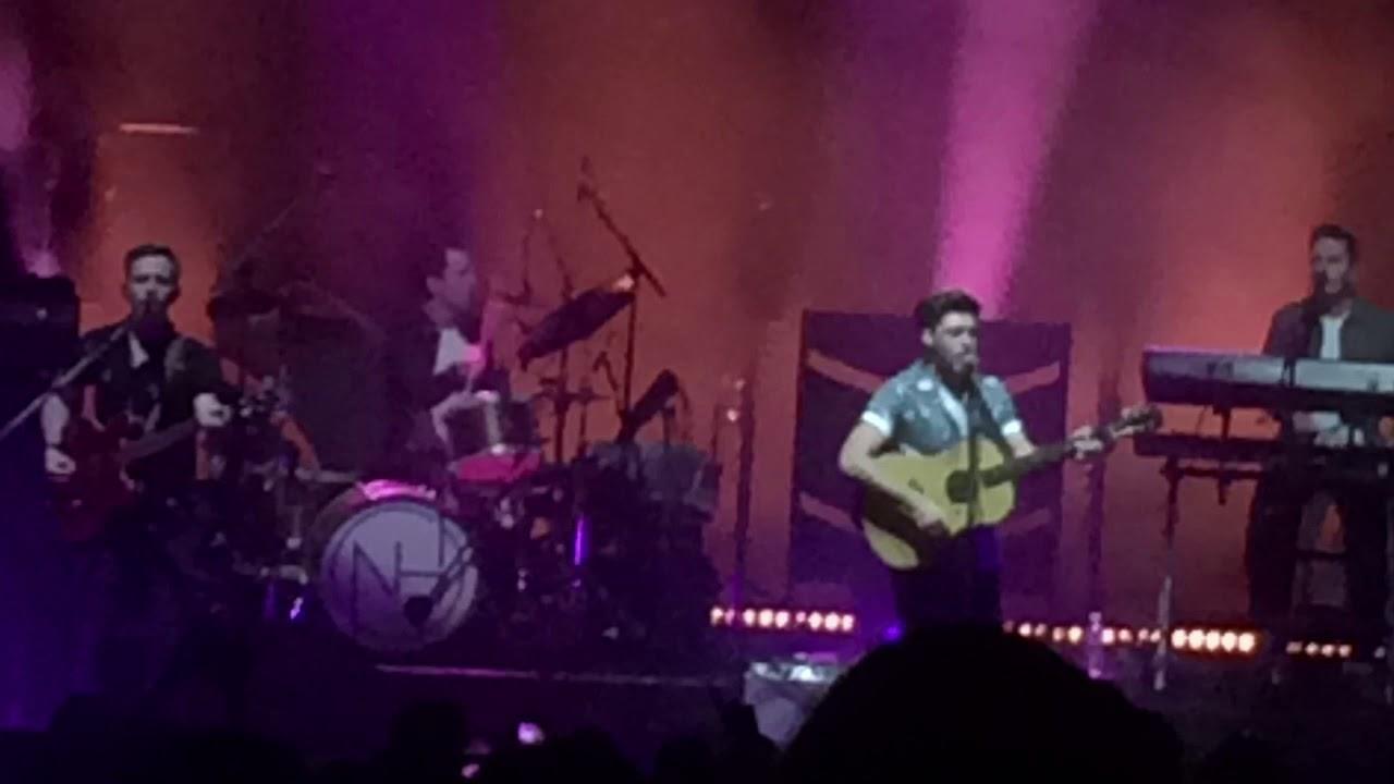 Niall Horan Flicker Session At Orphum Theater Boston November 3rd