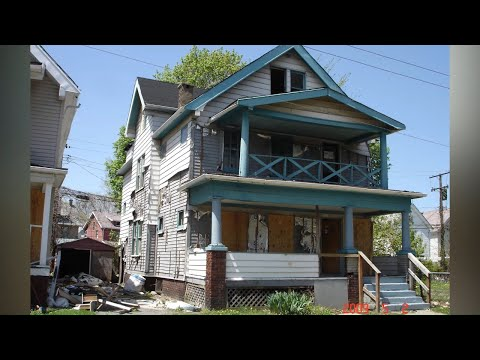 Buying An $30,000 House: Inside America's Cheap Old Houses