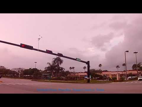 Pembroke Pines, Pines Blvd South Florida. Driving along Pines Blvd in Pembroke Pines.