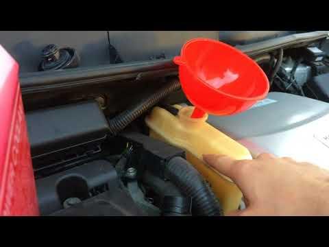 Замена охлаждающей жидкости инвертора Тойота Приус 20