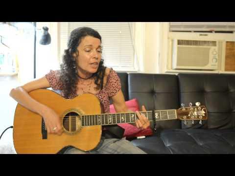 Tara Nevins of Donna The Buffalo Performing