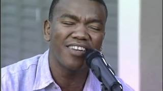 Expresso Live-Loyiso (05.02.2012) part 1