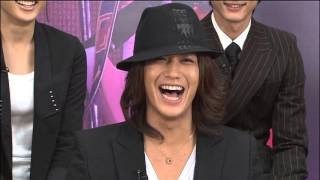 Jin Akanishi's contagious laughter