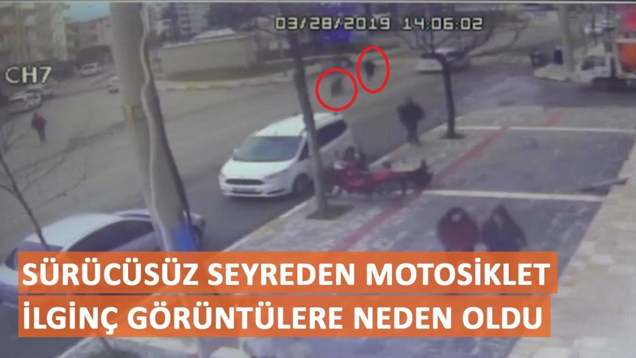 Sürücüsüz seyreden motosiklet ilginç görüntülere neden oldu