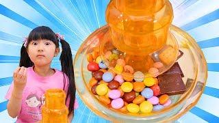 ごっこ遊び大量のお菓子でチョコレートファウンテンパーティしかし大失敗も Funny kids make Chocolate fountain | Hane&Mari'sWorld