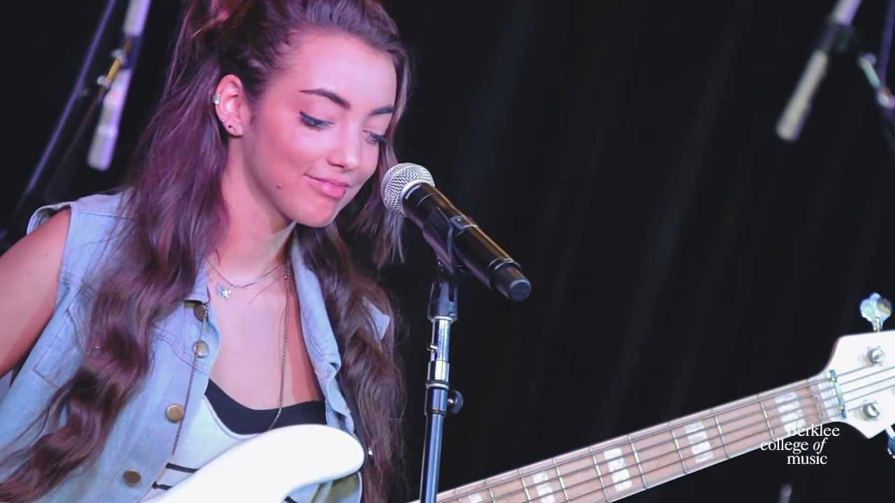 alissia-benveniste-let-it-out-live-at-berklee-college-of-music-berklee-college-of-music