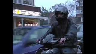 Blik op de Weg OFFICIAL - Fragment Brutale scooter jongen