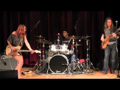 SAMANTHA FISH BAND - Black Wind Howlin'  3-22-13
