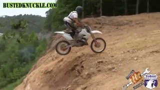 DIRT BIKES ATTACK HILL CLIMB
