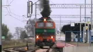 EKSTRA wyrzut mazutu w wykonaniu M62-1199 [POL - MIEDŹ - TRANS] podczas wyjazdu z Chojnowa