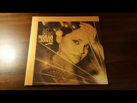 Unboxing  Norah Jones Day Breaks Vinyl LP B002520801