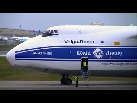 ANTONOV AN-124 Cold start and Take off
