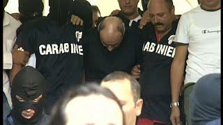 بعد 14 عاما من المطاردة... القبض على زعيم للمافيا أثناء تناوله الباستا…