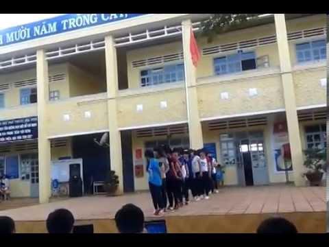 lớp 10a2 Trường THPT hòa ninh aerobic 20-11.năm2014-2015