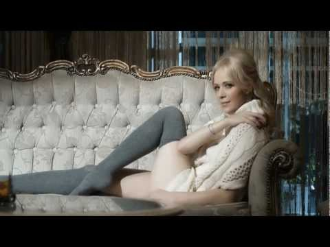 Get JELENA ROZGA - SOLO IGRACICA / DOBITNA KOMBINACIJA (OFFICIAL VIDEO 2012) HD Screenshots
