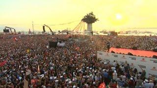 Izmir: meeting de Ince devant des milliers de supporters