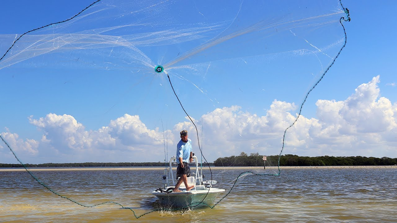 How to throw a cast net barracuda cast nets 4k youtube for Throw nets for fishing