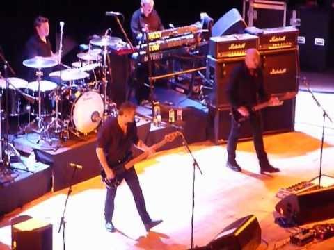 The Stranglers PEACHES live 31 03 2013