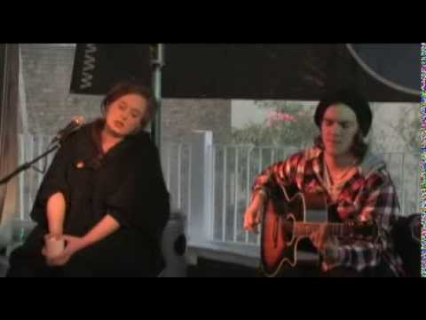 Adele - Chasing Pavements at a Mix 94.7 Private Performance (March 16th, 2009)