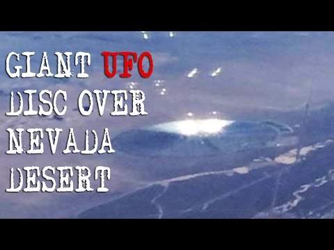 UFO DISC Over DESERT Close To NEVADA AREA 51! UFO Sighted From Plane WIndow