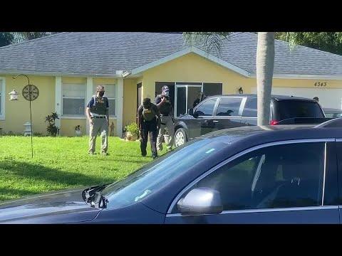 FBI-enter-home-of-Brian-Laundrie