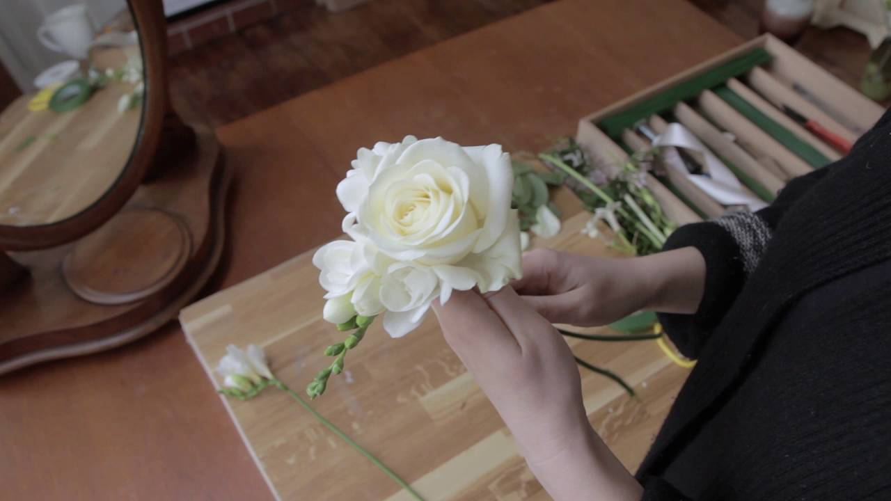 Flowergirl fresh flower wand - YouTube