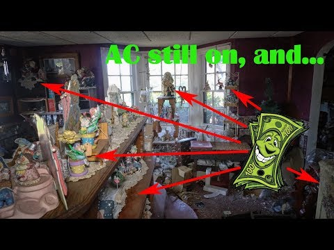 Abandoned House - Found Untouched Vintage items and Antiques