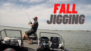 How to shallow water jig for walleyes into the fall.