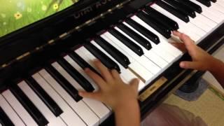 ヤマハ音楽教室幼児科 ぷらいまりー3より。 自宅での練習風景です。