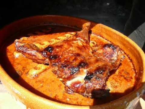 Cordero lechal al horno de le a youtube for Cocinar paletilla de cordero
