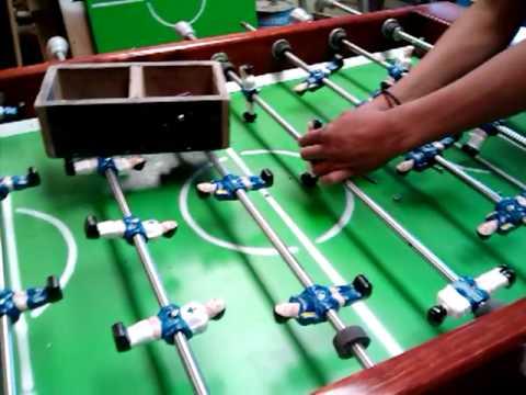 Video de futbolito y mesa de billar youtube for Mesa futbolito
