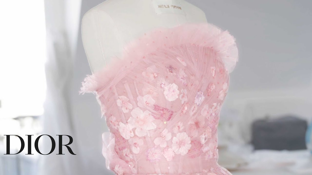 Miss Dior Rose N'Roses, the new fragrance – The Savoir-Faire behind the creation of the new dress