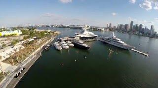 Yacht Luna in Island Gardens Marina - Miami