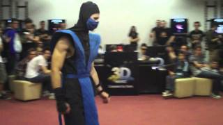 Mortal Kombat release in Romania: Scorpion vs SubZero cosplay fight