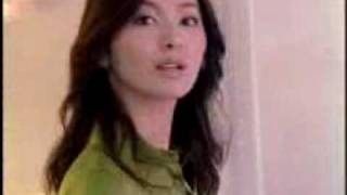 ドマーニのCMに出演したモデル春香の映像.