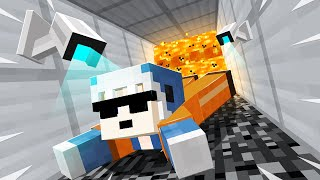 ESCAPING A *HIGH SECURITY* Minecraft PRISON!