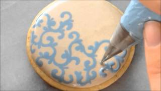 How To Pipe Filigree Using The Royal Icing Wet on Wet Technique